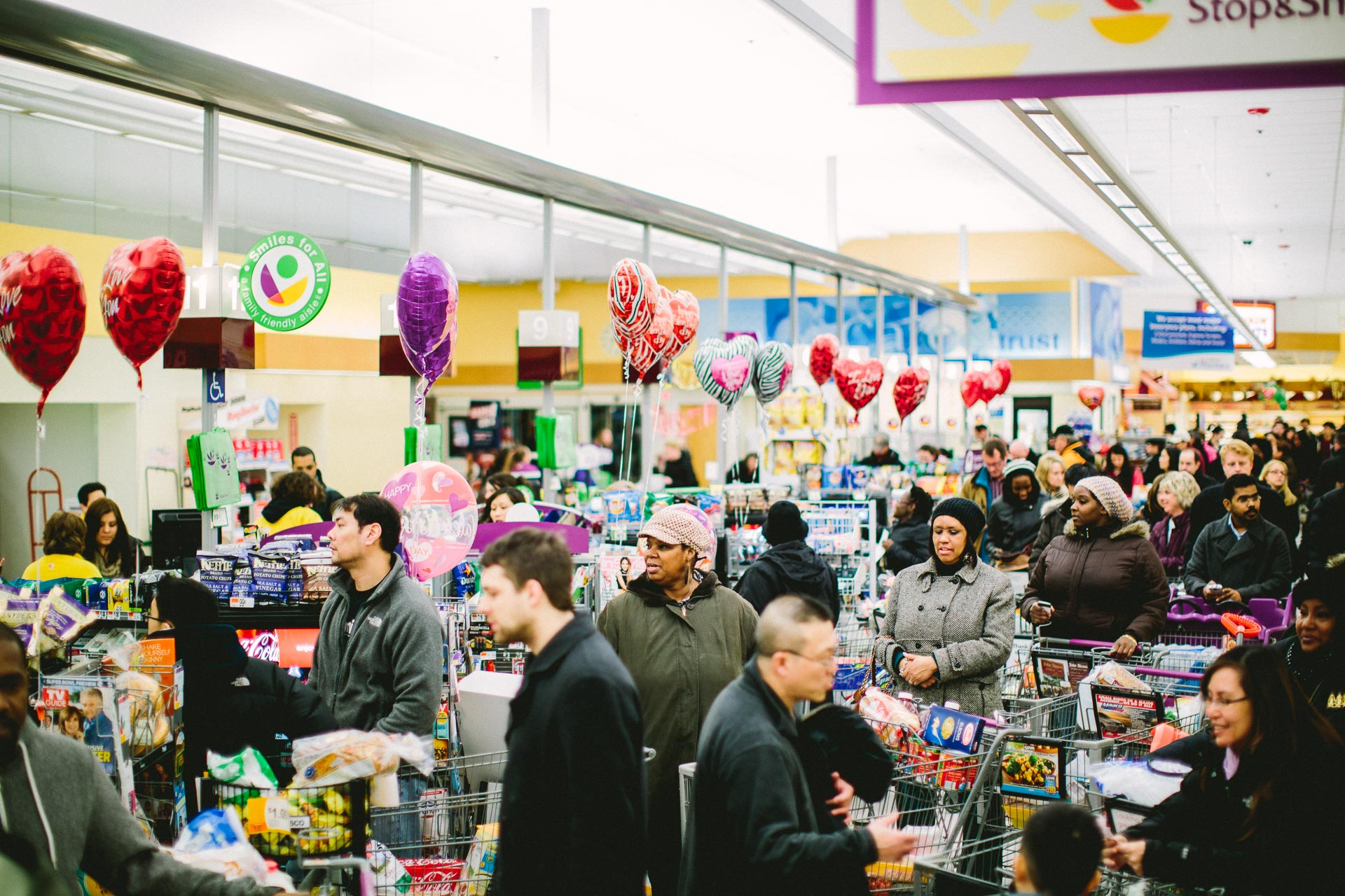Customers wait at the North Quincy Stop and Shop ahead of Winter Storm Nemo